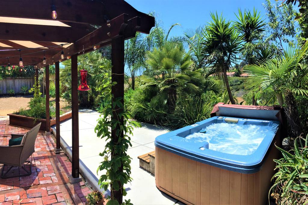 Oceanside Jungalow | Pvt. Hot Tub, 5 Min to Beach and Updated Kitchen!